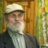Как 90-летний мужчина школу разукрасил