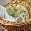 Вкуснейший хрустящий готовый батон с чесноком, сыром и зеленью